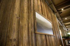 Holzboden als Wandelement