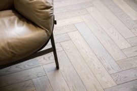 Stylische Holzböden, modern verlegt